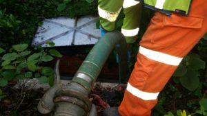 Septic tank emptying